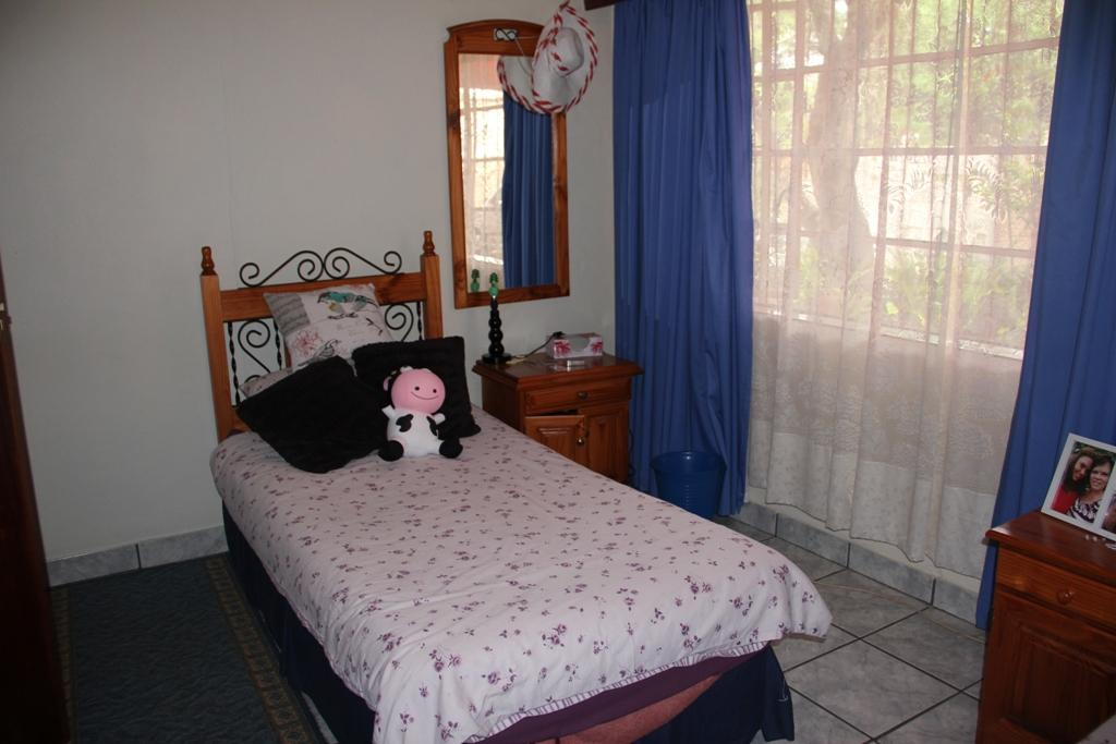 Potchefstroom Central property for sale. Ref No: 13295774. Picture no 8