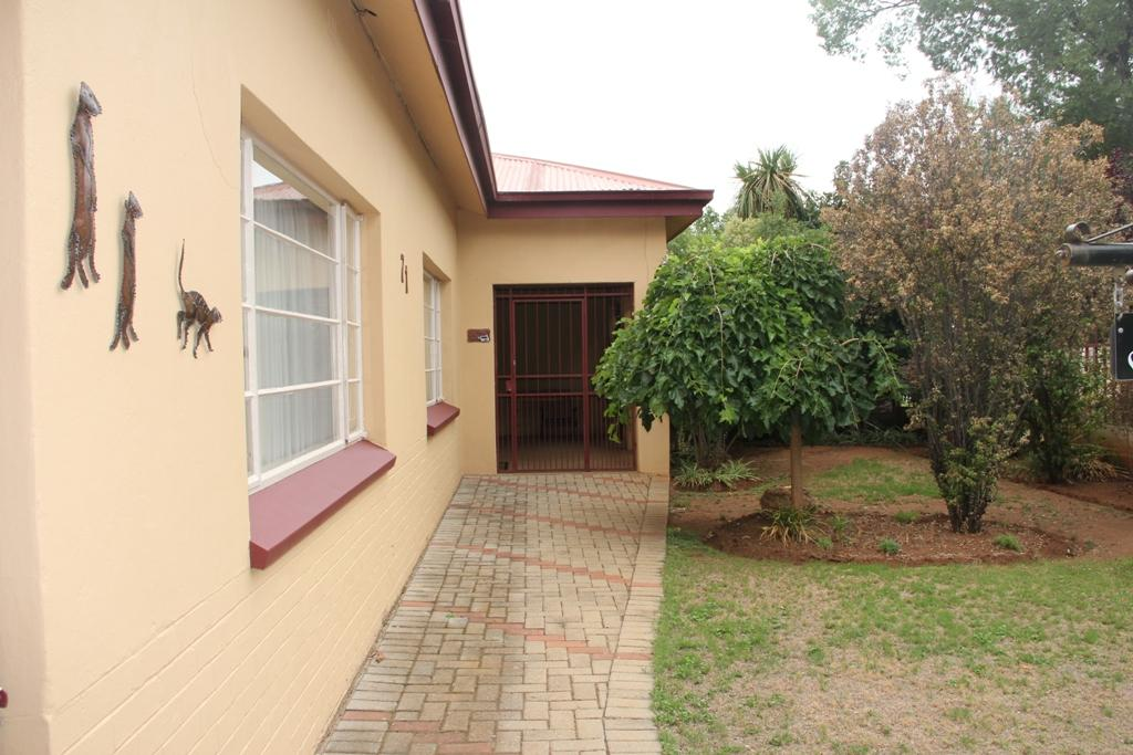Potchefstroom Central property for sale. Ref No: 13295774. Picture no 2