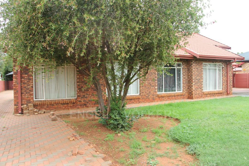 Dassie Rand property for sale. Ref No: 13299575. Picture no 3
