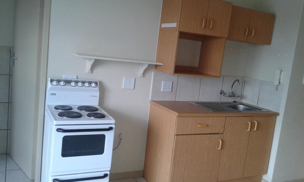 Kannoniers Park property to rent. Ref No: 13398761. Picture no 7