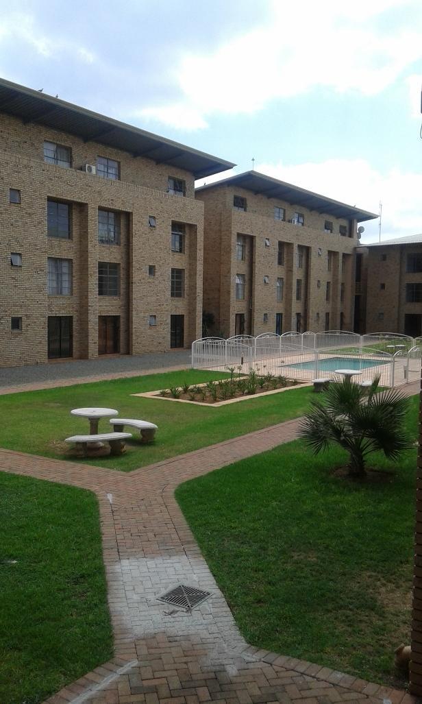 Kannoniers Park property to rent. Ref No: 13398761. Picture no 3