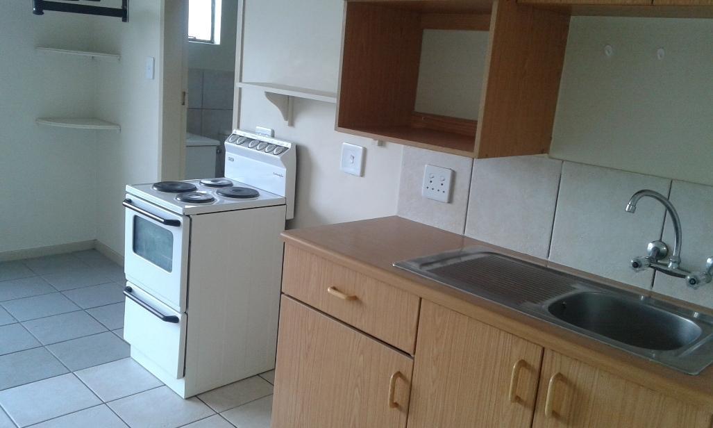 Kannoniers Park property to rent. Ref No: 13398761. Picture no 8