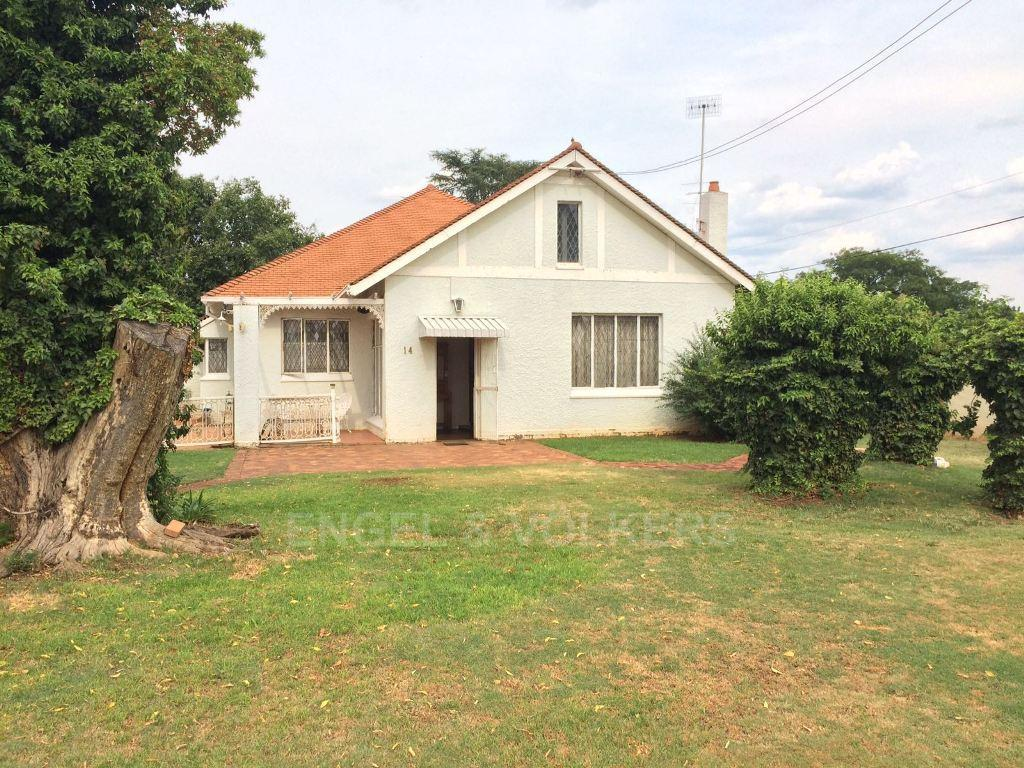 Potchefstroom Central property for sale. Ref No: 13312003. Picture no 4