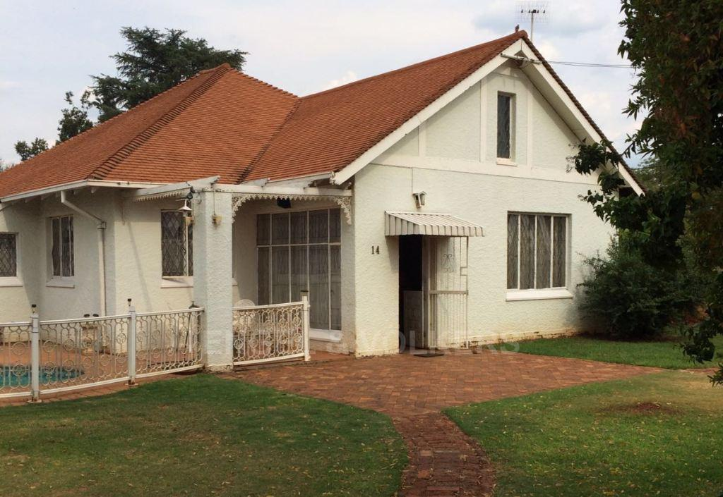 Potchefstroom Central property for sale. Ref No: 13312003. Picture no 2
