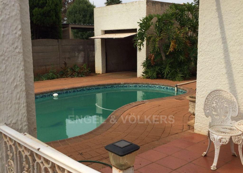 Potchefstroom Central property for sale. Ref No: 13312003. Picture no 8