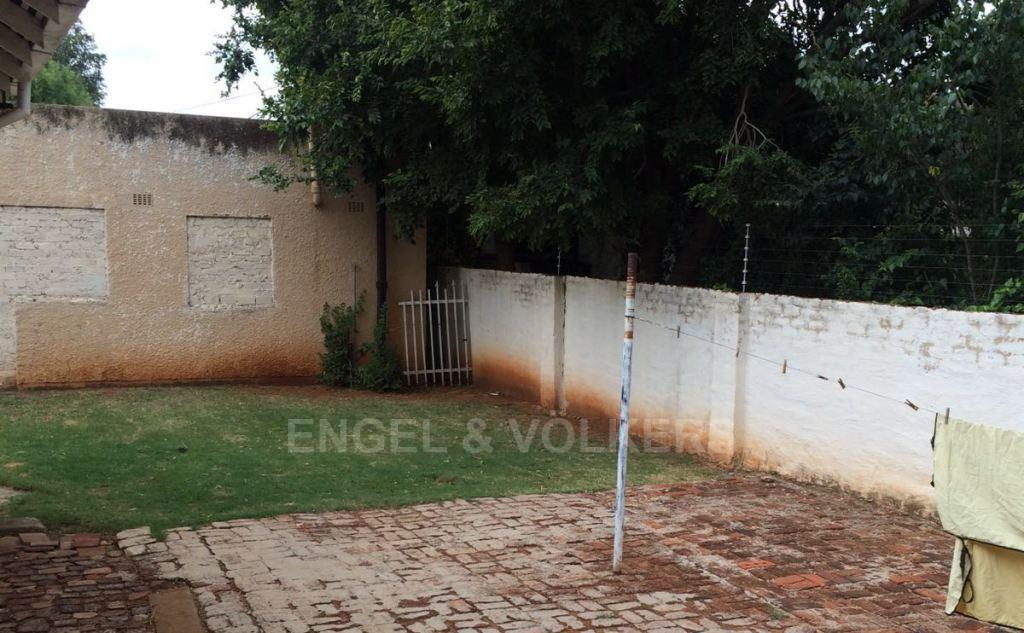 Potchefstroom Central property for sale. Ref No: 13312003. Picture no 10