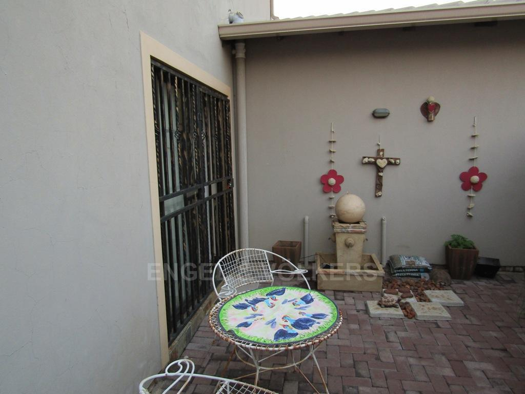 Van Der Hoff Park property for sale. Ref No: 13322408. Picture no 16