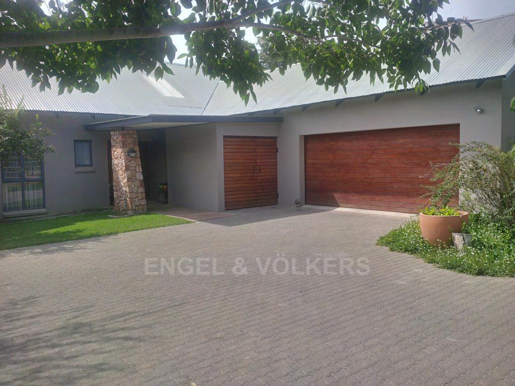 Parys property for sale. Ref No: 13323082. Picture no 1