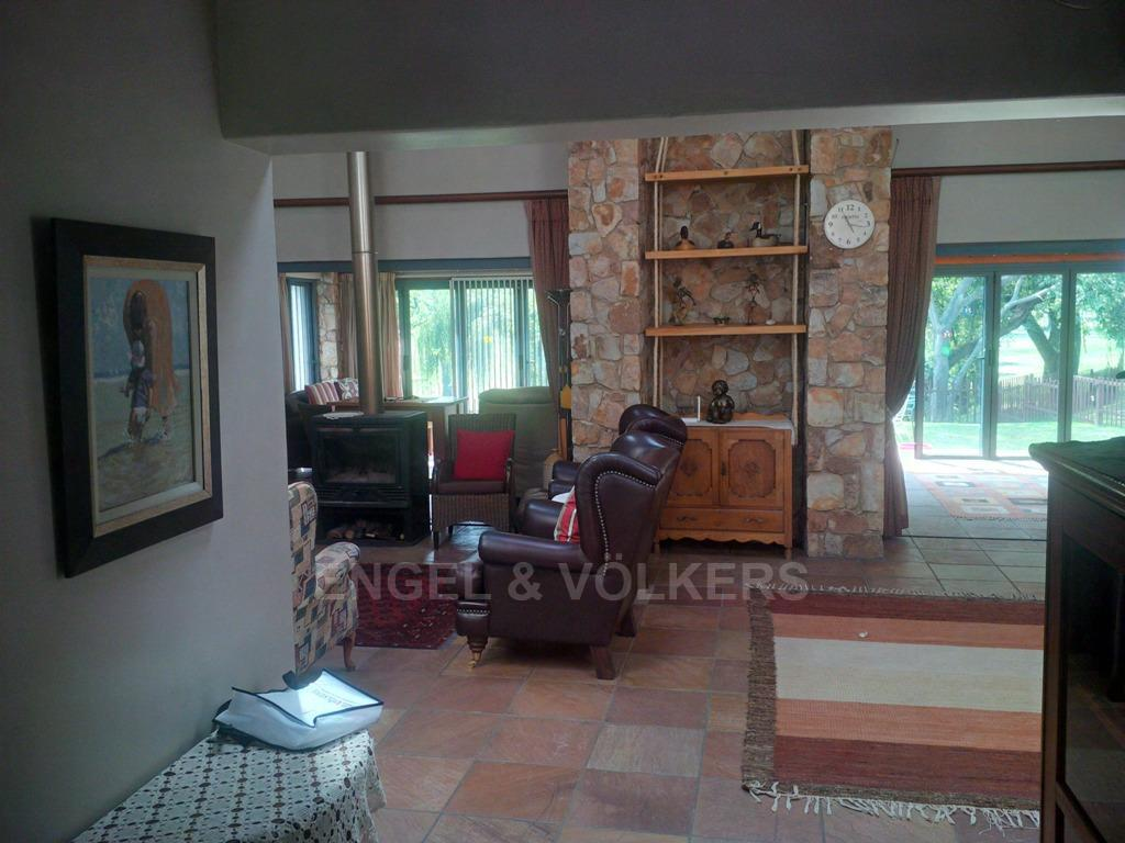 Parys property for sale. Ref No: 13323082. Picture no 2