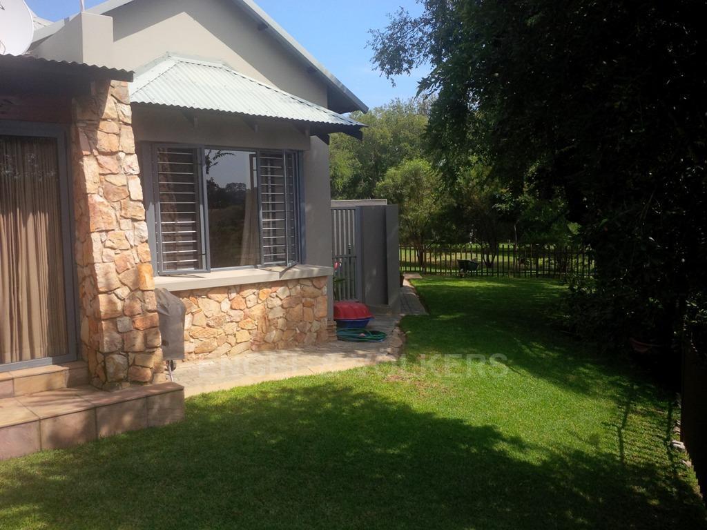 Parys property for sale. Ref No: 13323082. Picture no 24