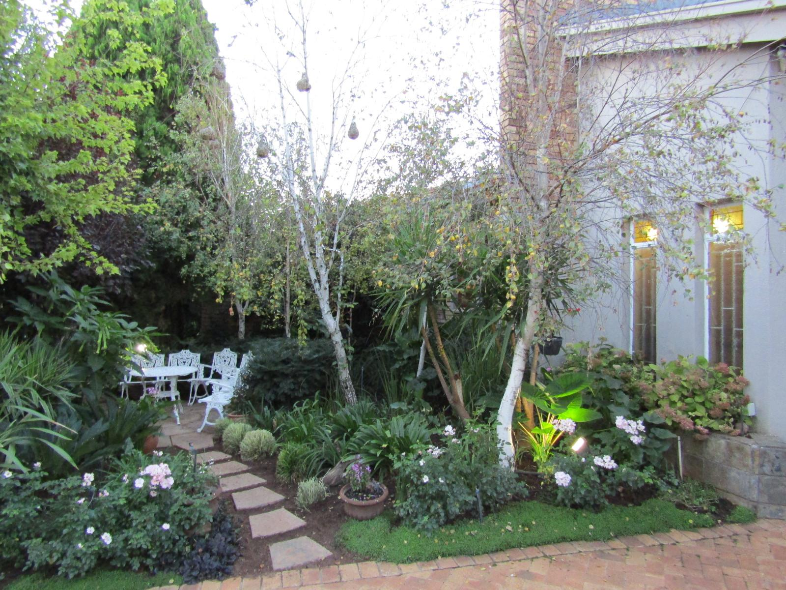 Van Der Hoff Park property for sale. Ref No: 13324056. Picture no 23
