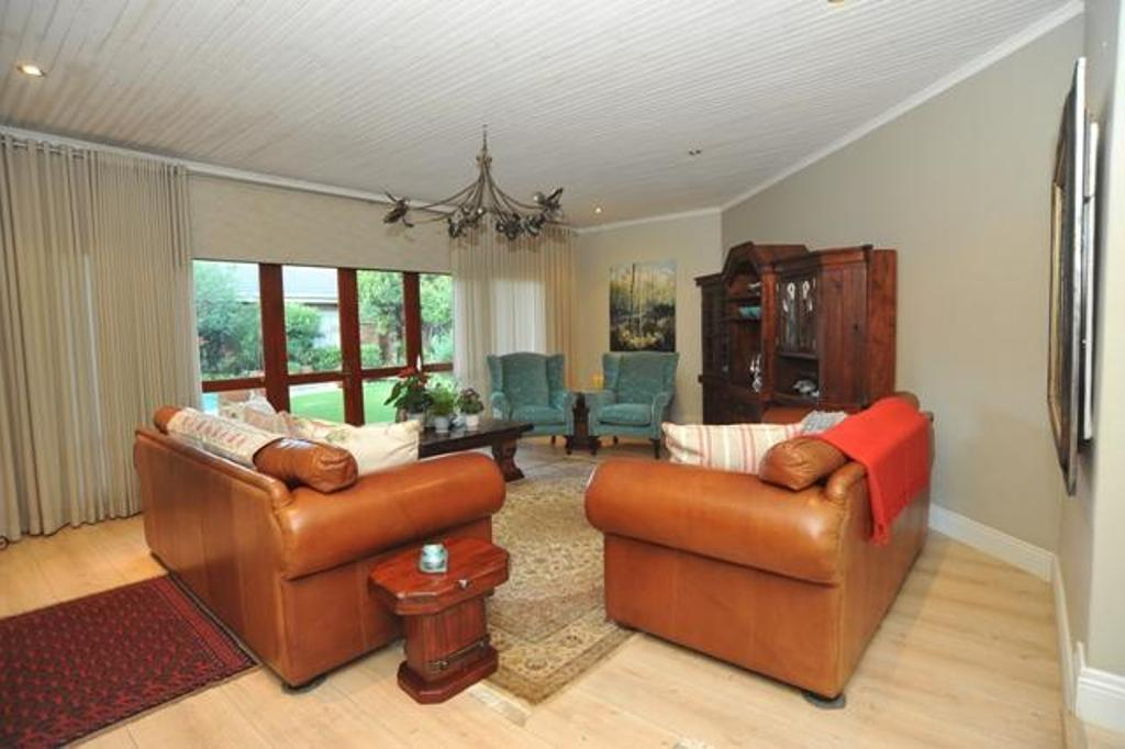 Van Der Hoff Park property for sale. Ref No: 13324056. Picture no 10