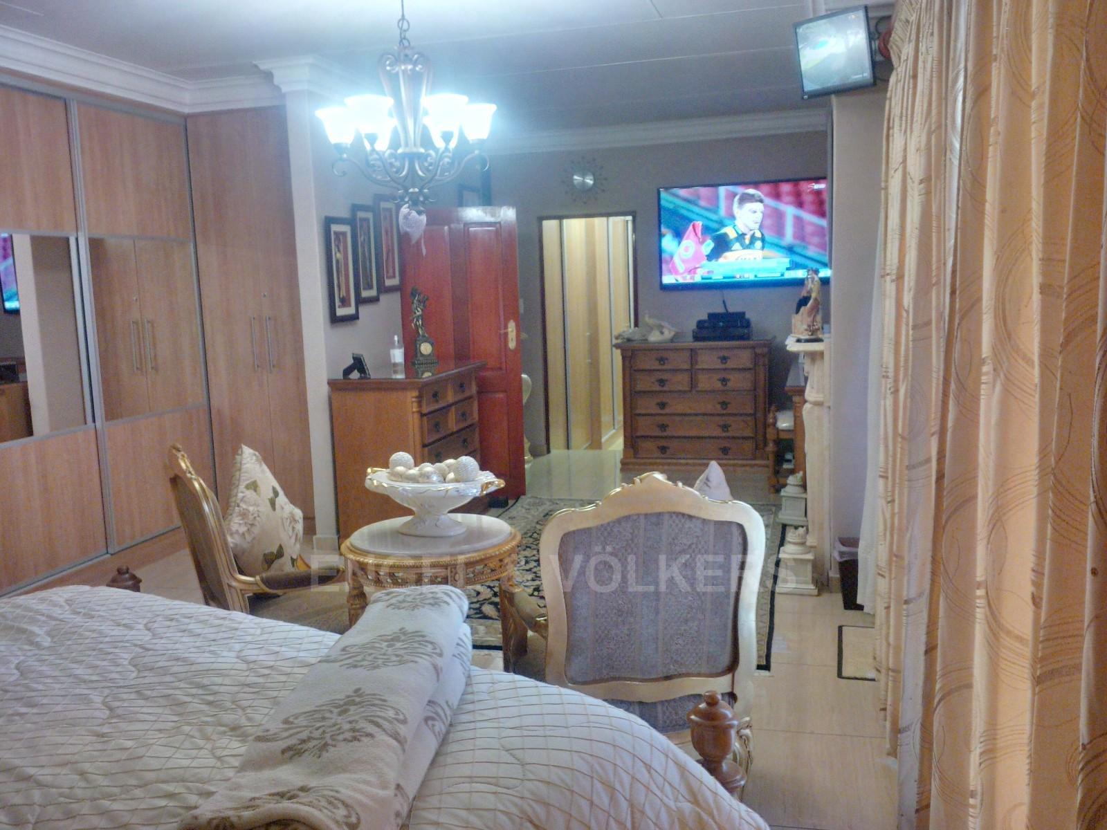 Parys property for sale. Ref No: 13338305. Picture no 25