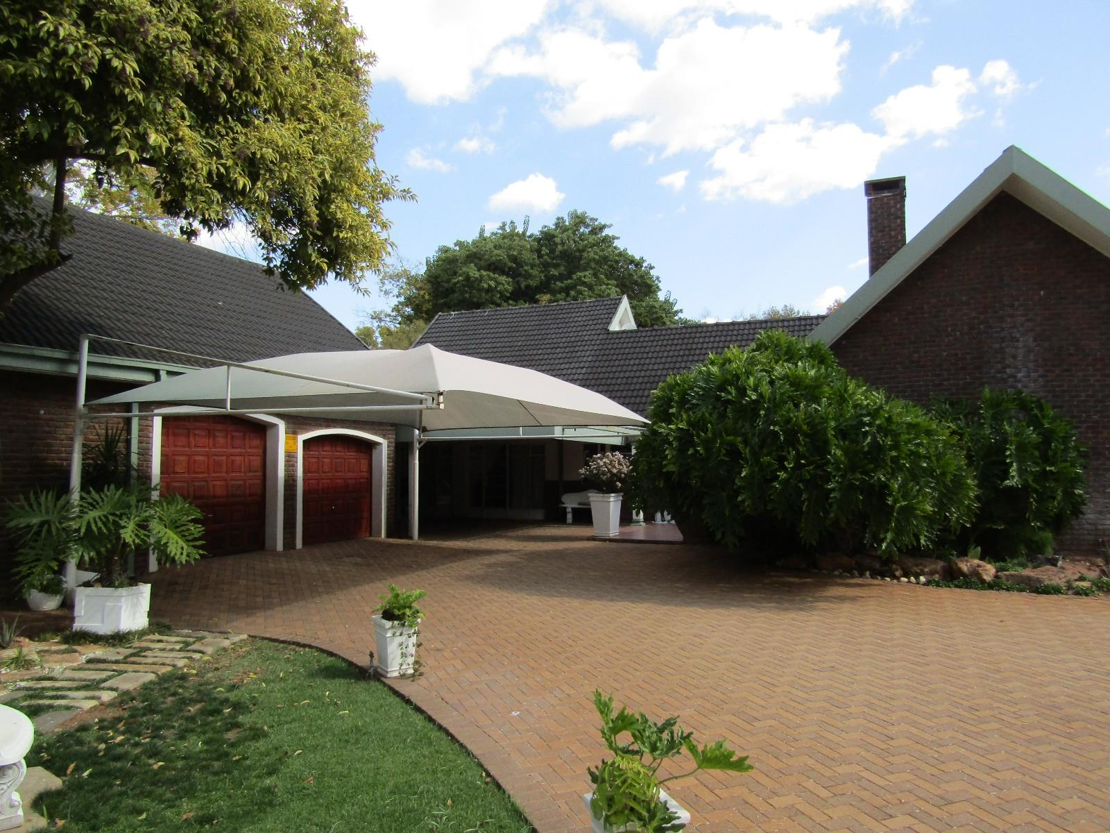 Potchefstroom, Dam Area Property  | Houses For Sale Dam Area, DAM AREA, House 5 bedrooms property for sale Price:2,895,000