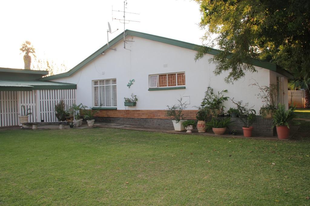 Potchefstroom, Potchefstroom Central Property  | Houses To Rent Potchefstroom Central, POTCHEFSTROOM CENTRAL, House 3 bedrooms property to rent Price:,  8,90*