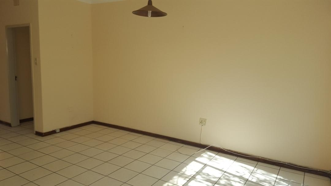 Potchefstroom Central property for sale. Ref No: 13346387. Picture no 7