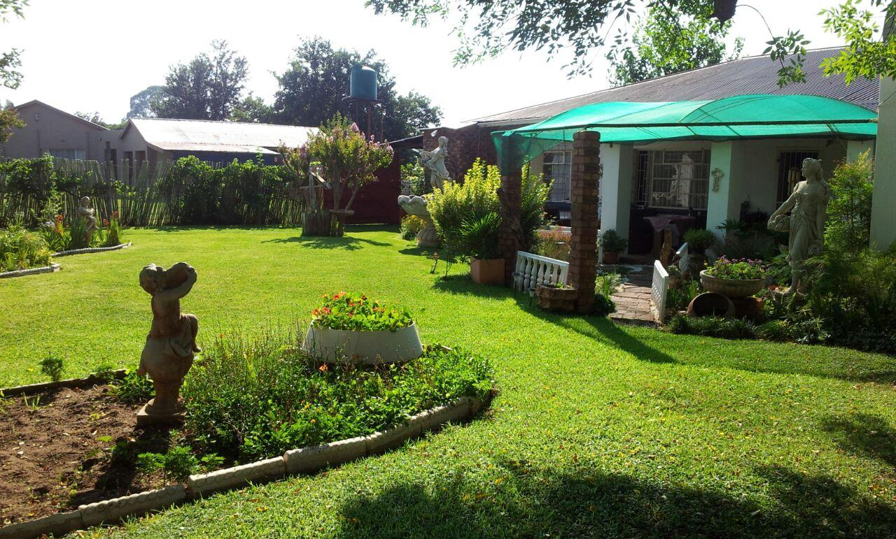 Vyfhoek property for sale. Ref No: 13350093. Picture no 3