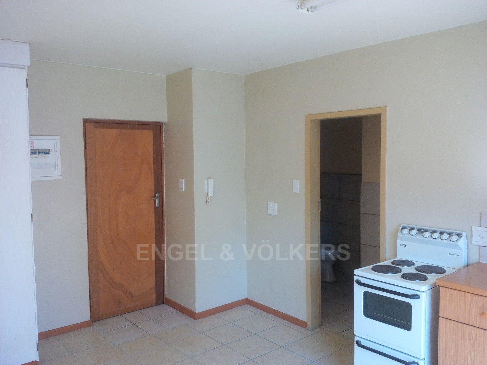 Kannoniers Park property for sale. Ref No: 13379091. Picture no 10