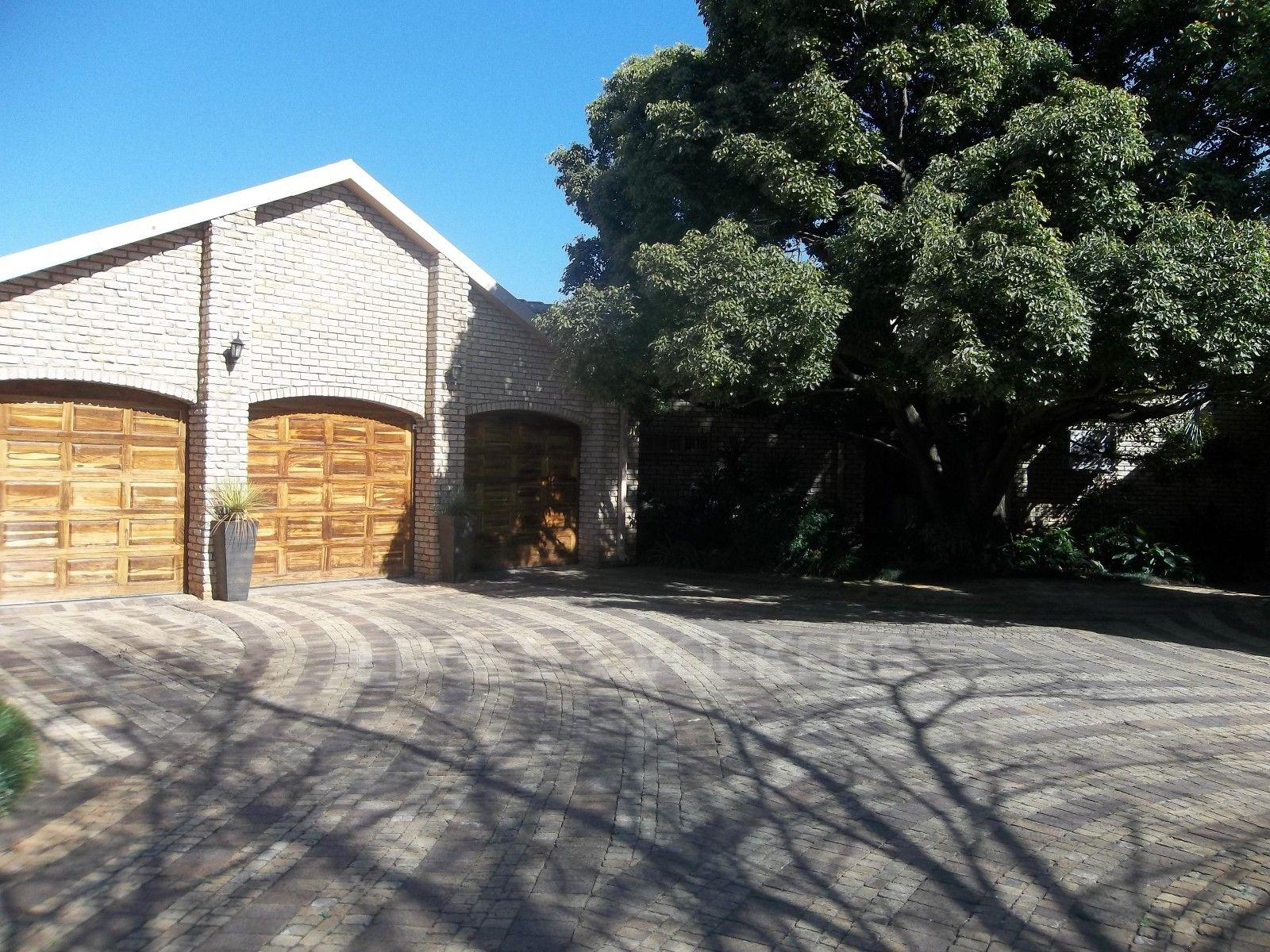 Potchefstroom, Mooivallei Park Property  | Houses For Sale Mooivallei Park, MOOIVALLEI PARK, House 4 bedrooms property for sale Price:2,850,000