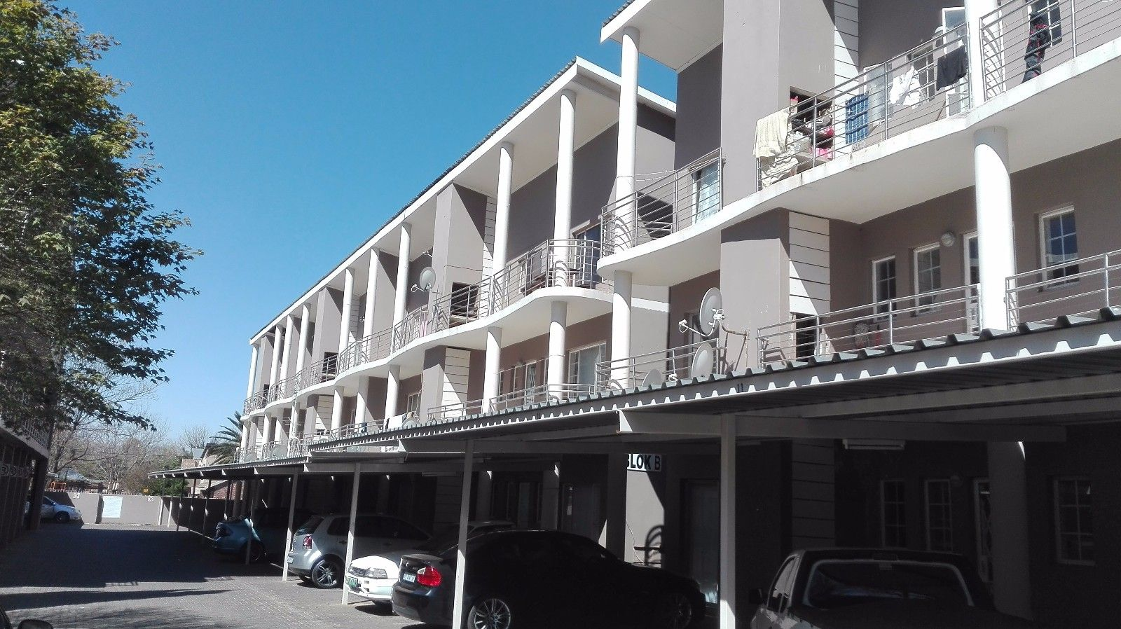 Potchefstroom Central property for sale. Ref No: 13381094. Picture no 2