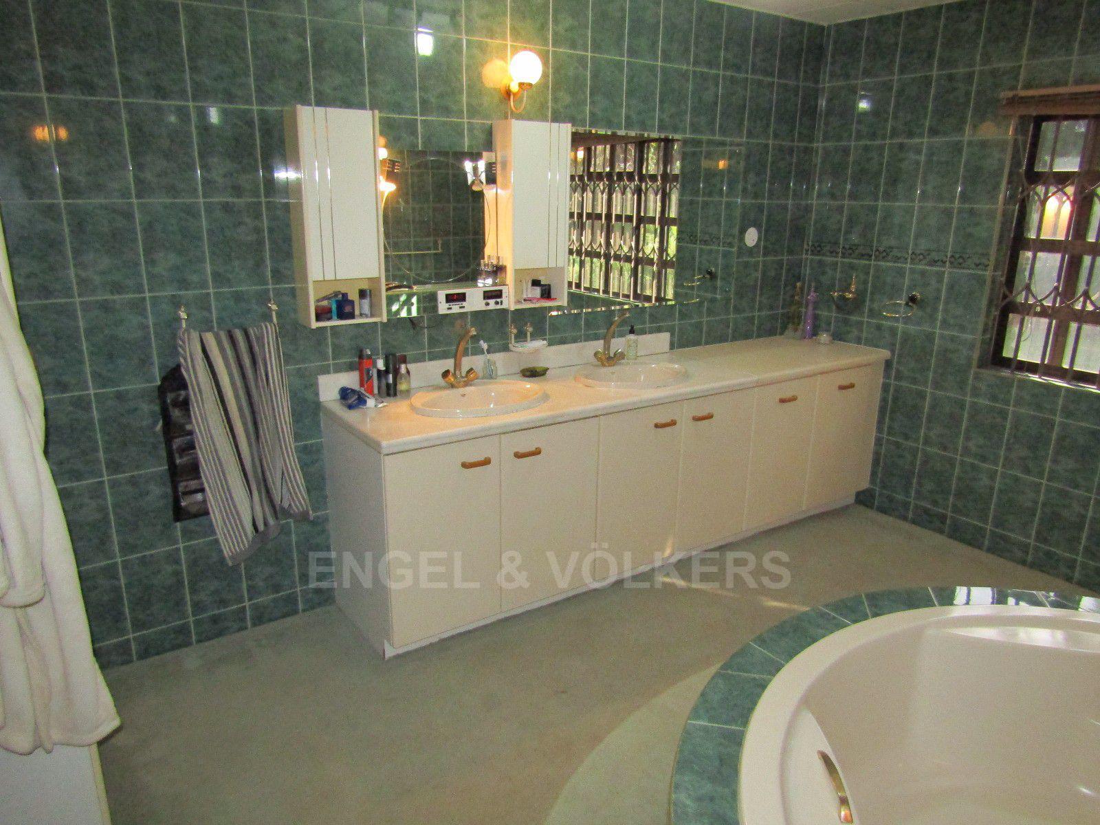 Van Der Hoff Park property for sale. Ref No: 13388201. Picture no 13