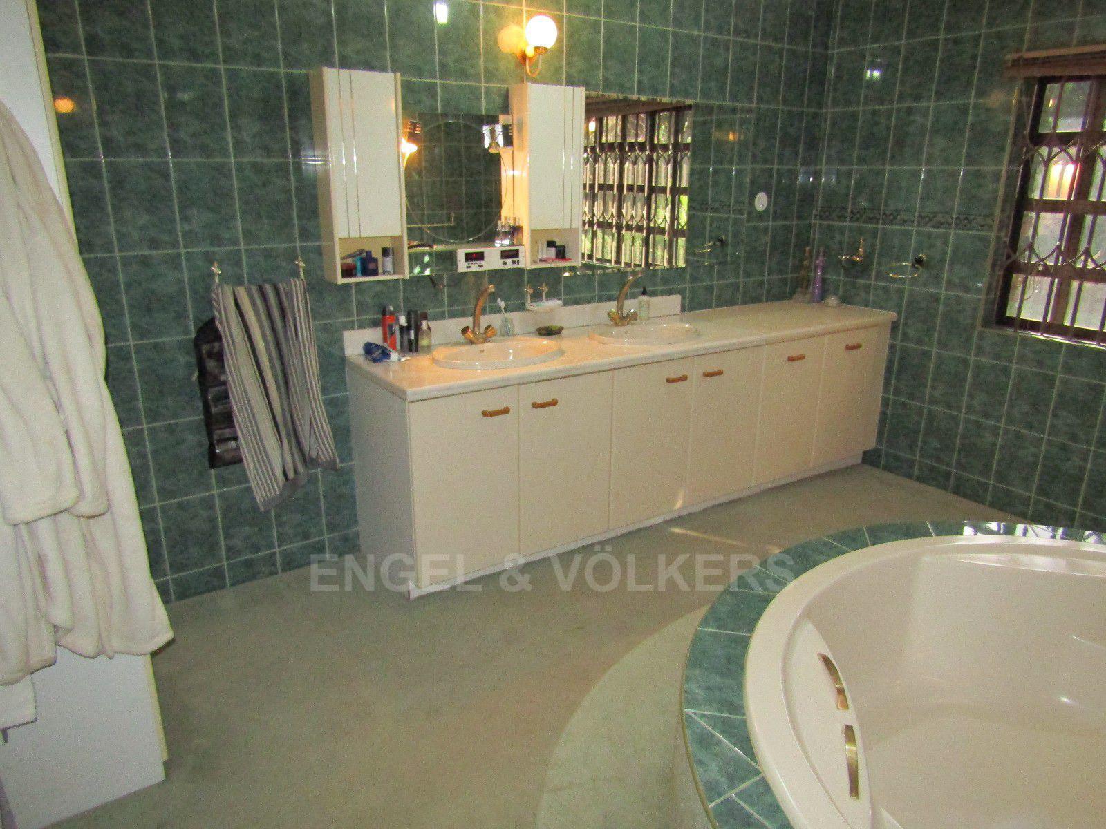 Van Der Hoff Park property for sale. Ref No: 13388201. Picture no 14