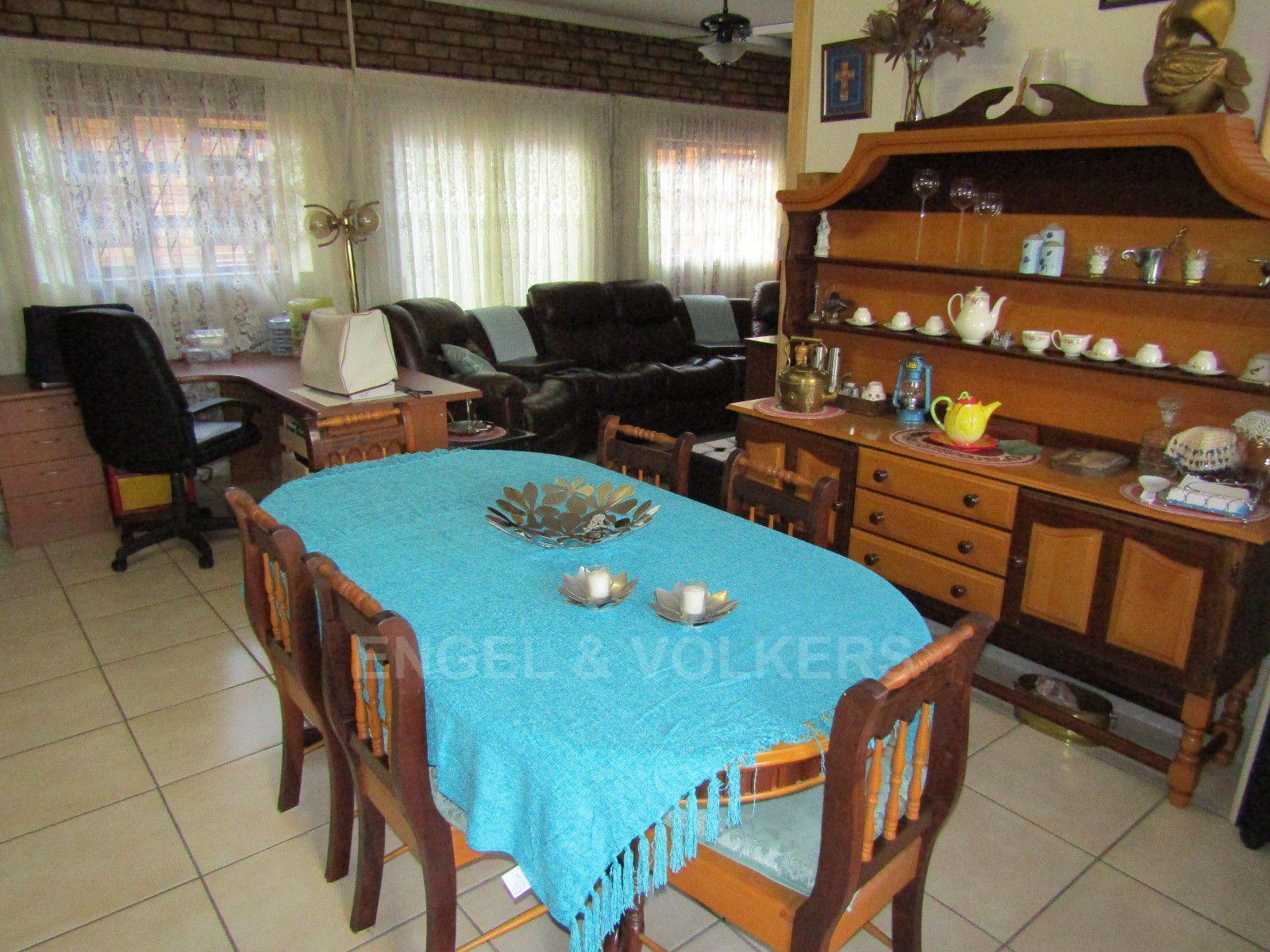 Van Der Hoff Park property for sale. Ref No: 13388201. Picture no 23
