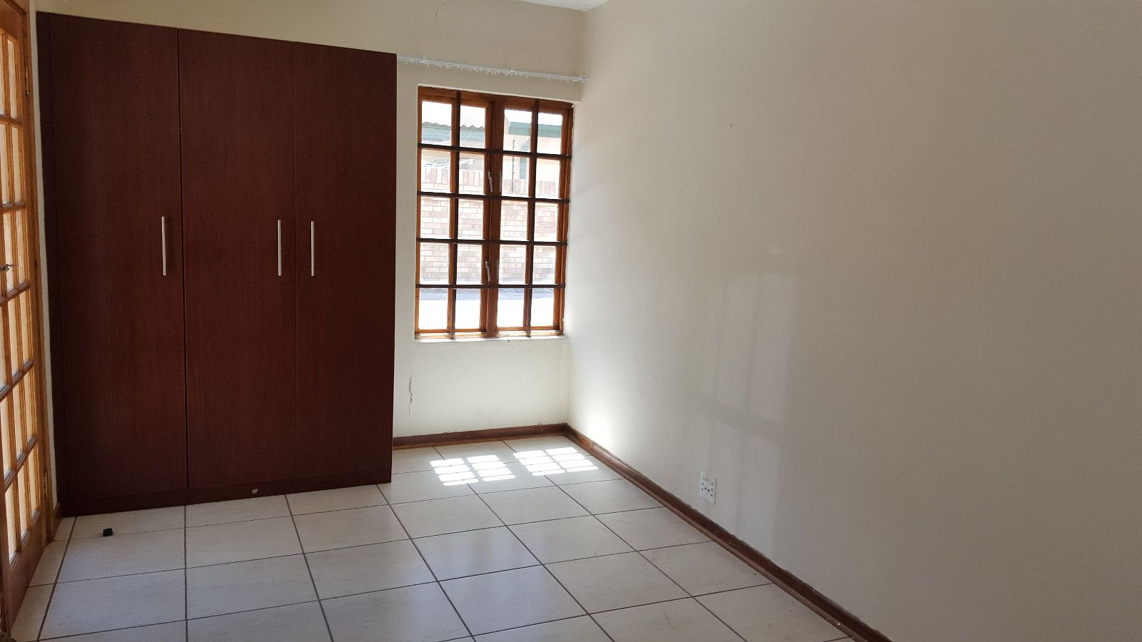 Die Bult property to rent. Ref No: 13396075. Picture no 15