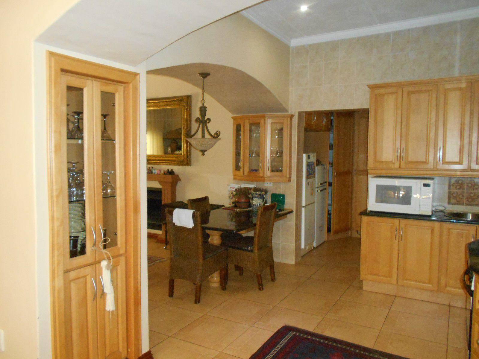 Van Der Hoff Park property to rent. Ref No: 13400944. Picture no 9