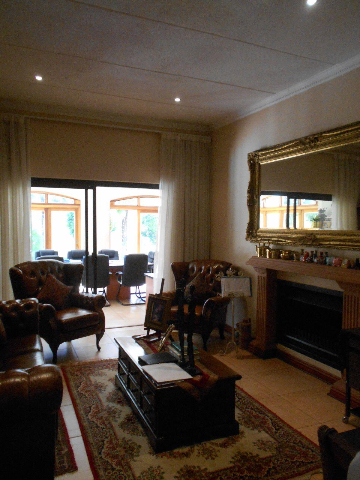 Van Der Hoff Park property to rent. Ref No: 13400944. Picture no 10