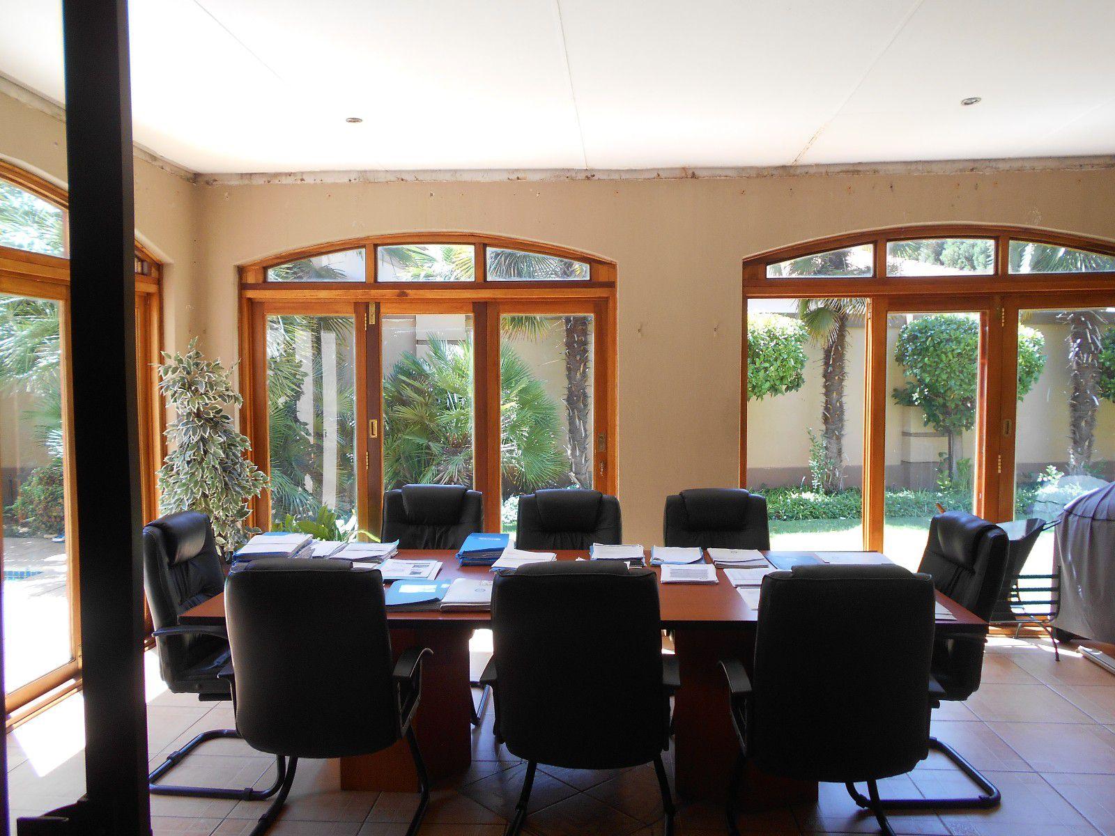 Van Der Hoff Park property to rent. Ref No: 13400944. Picture no 14