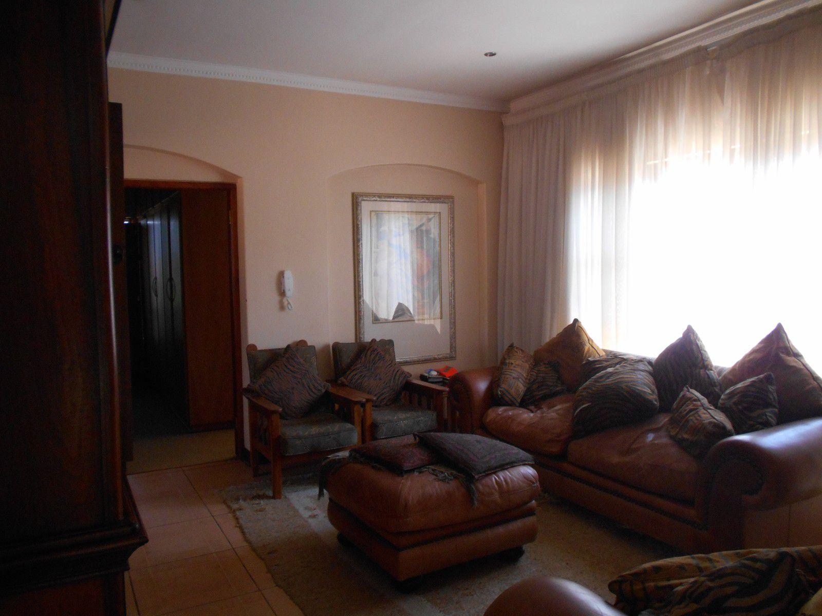 Van Der Hoff Park property to rent. Ref No: 13400944. Picture no 19