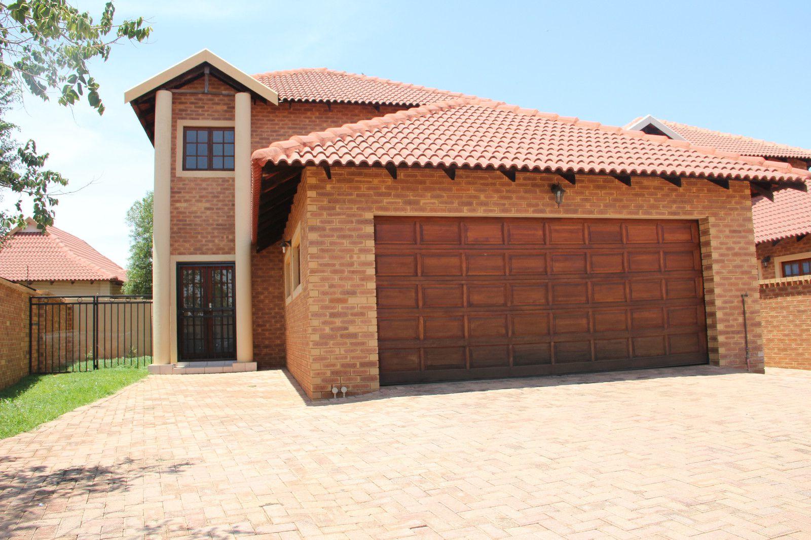 Potchefstroom, Van Der Hoff Park Property  | Houses To Rent Van Der Hoff Park, VAN DER HOFF PARK, Duplex 3 bedrooms property to rent Price:,  8,50*