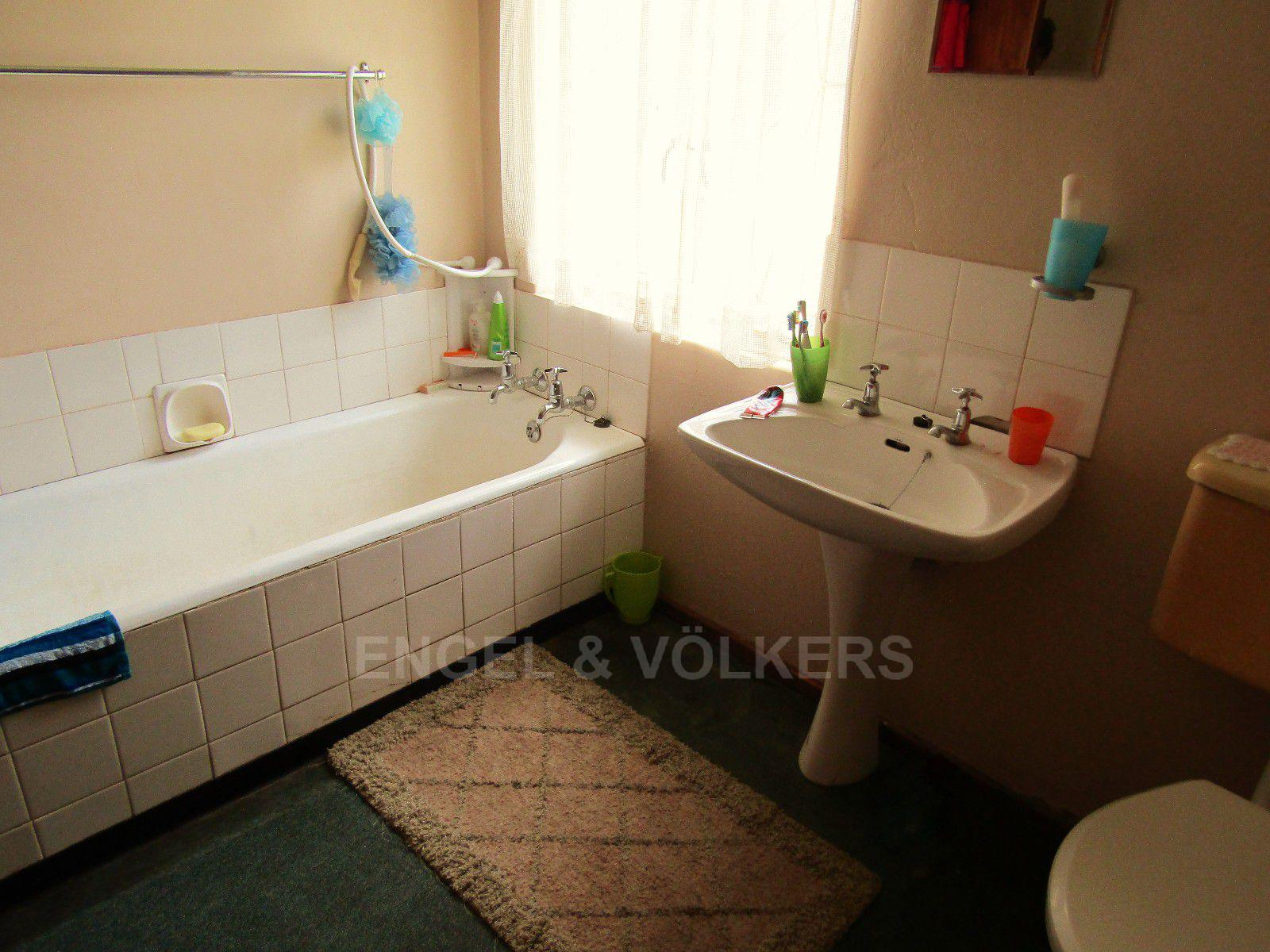 Potchefstroom Central property for sale. Ref No: 13413348. Picture no 14