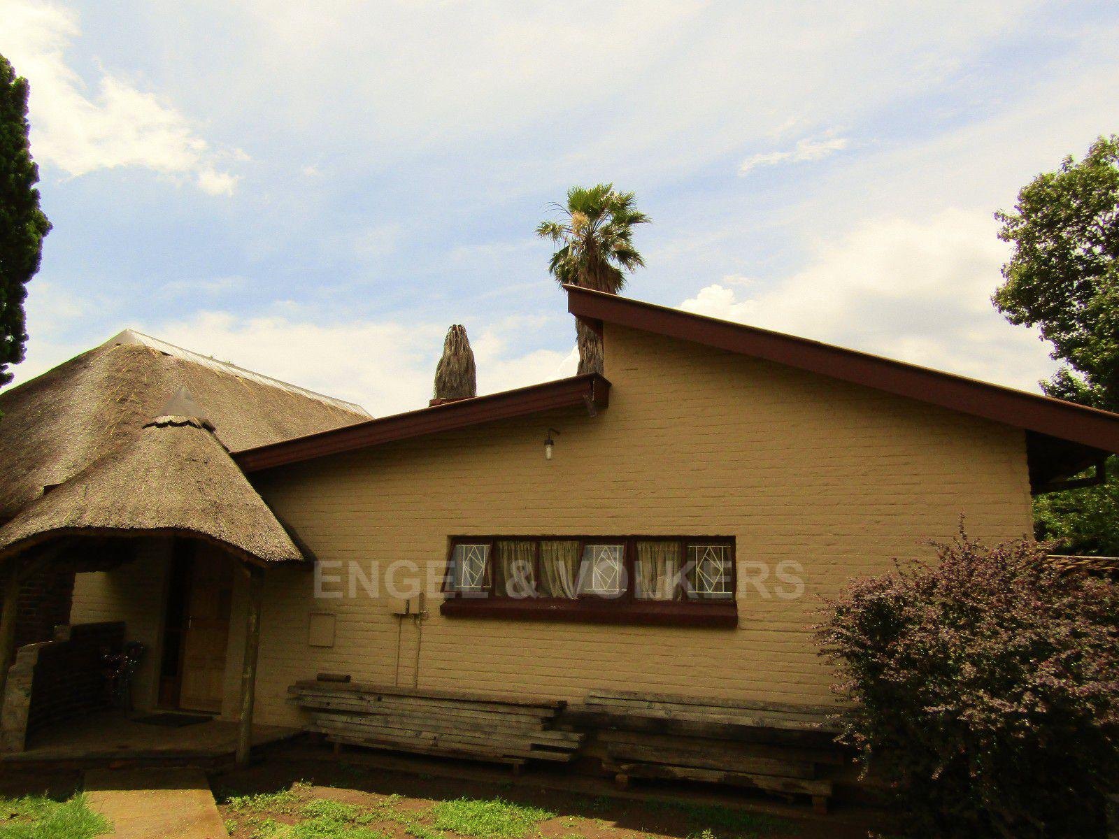 Potchefstroom Central property for sale. Ref No: 13413348. Picture no 1