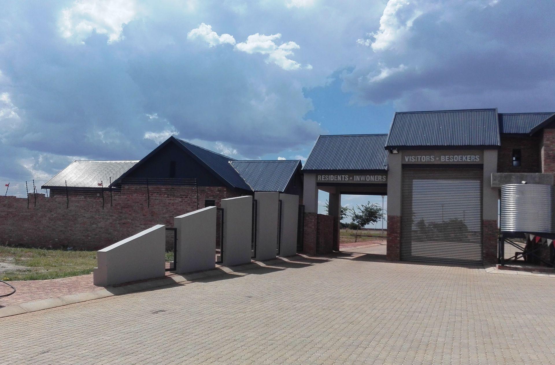 De Land Estate property for sale. Ref No: 13444515. Picture no 2