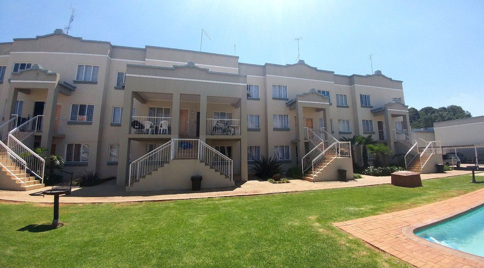 Potchefstroom, Kannoniers Park Property  | Houses For Sale Kannoniers Park, KANNONIERS PARK, Apartment 3 bedrooms property for sale Price:900,000