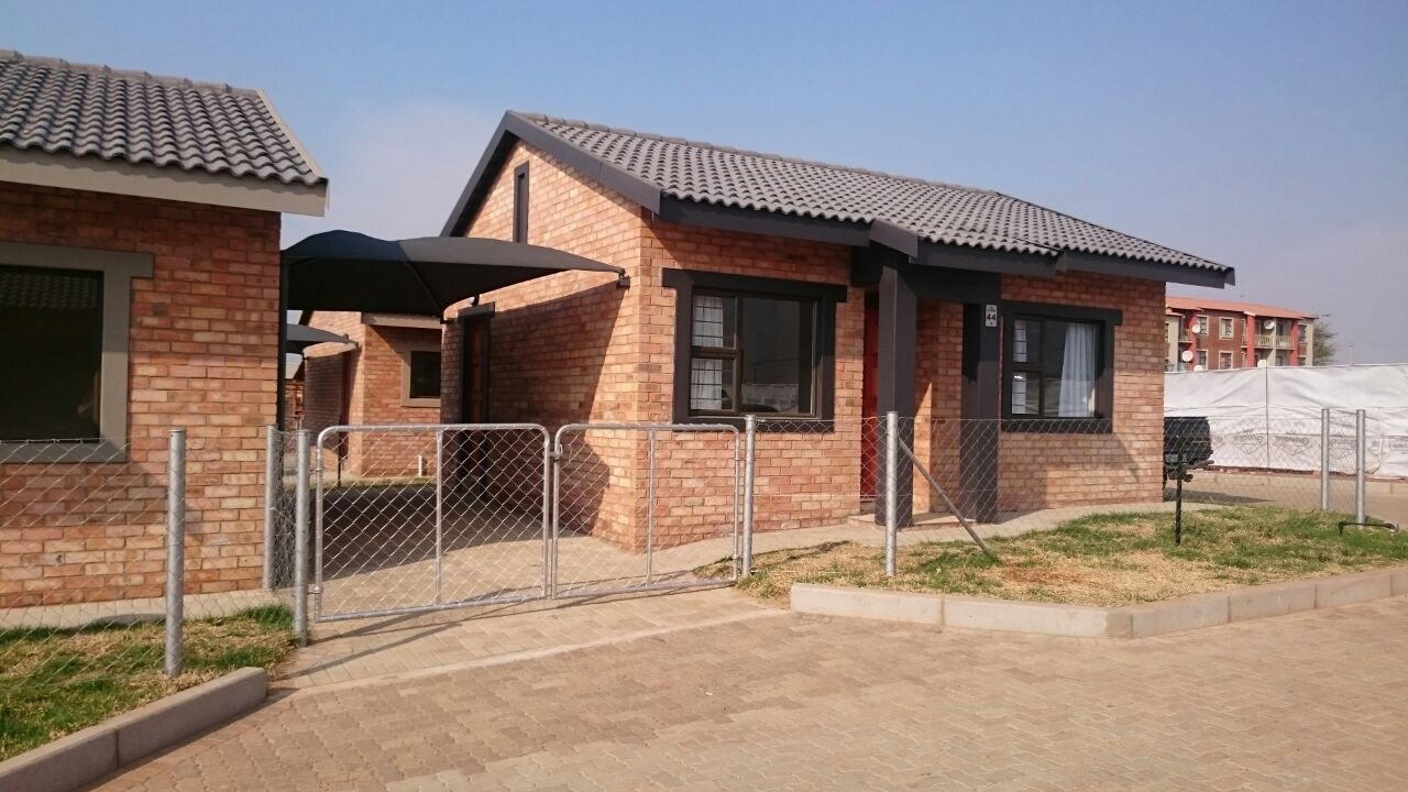 Ikageng property for sale. Ref No: 13421854. Picture no 6