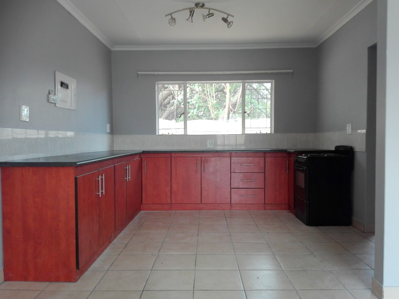 Suid Dorp property for sale. Ref No: 13466310. Picture no 11
