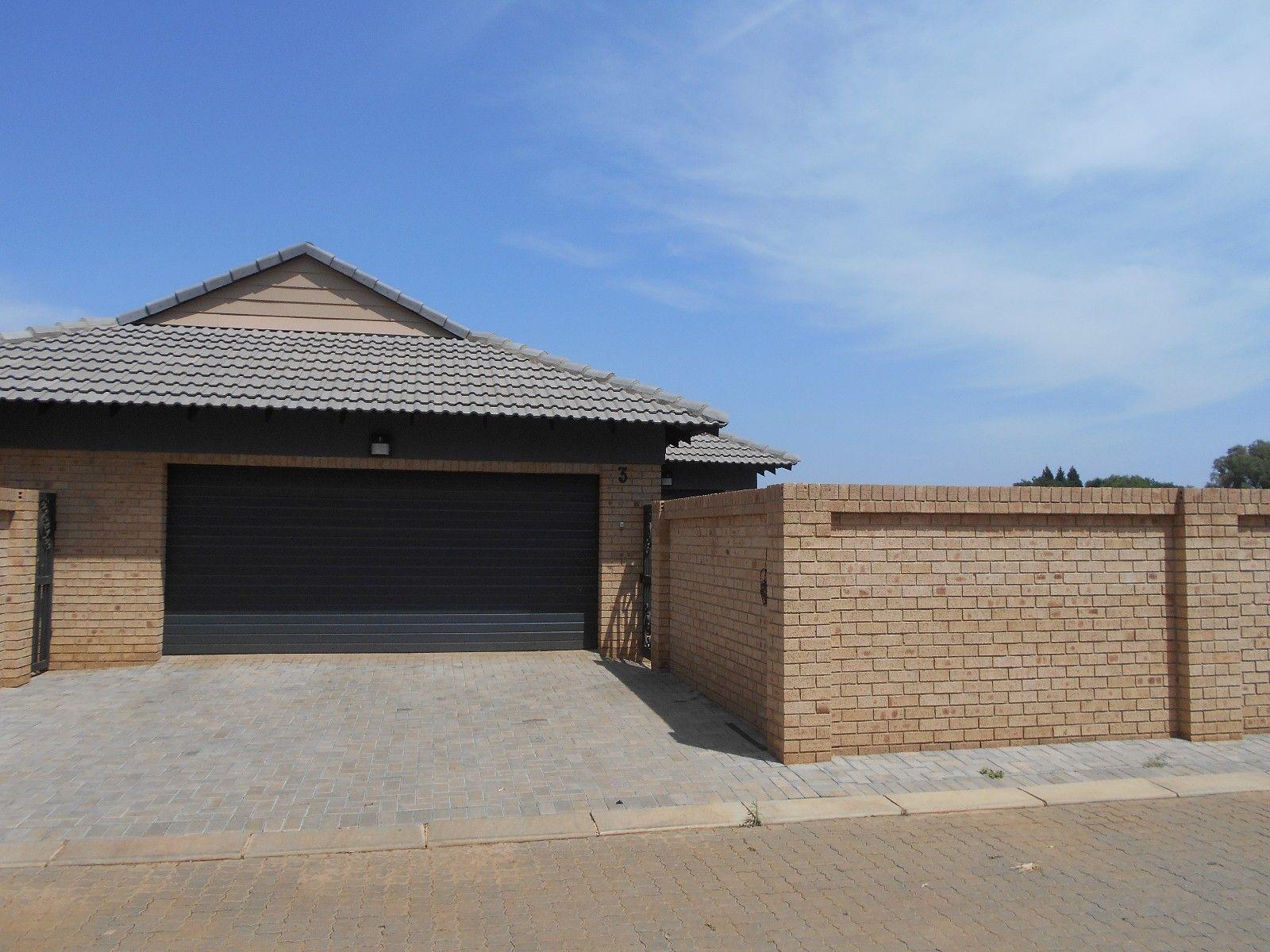 Baillie Park property for sale. Ref No: 13453104. Picture no 2