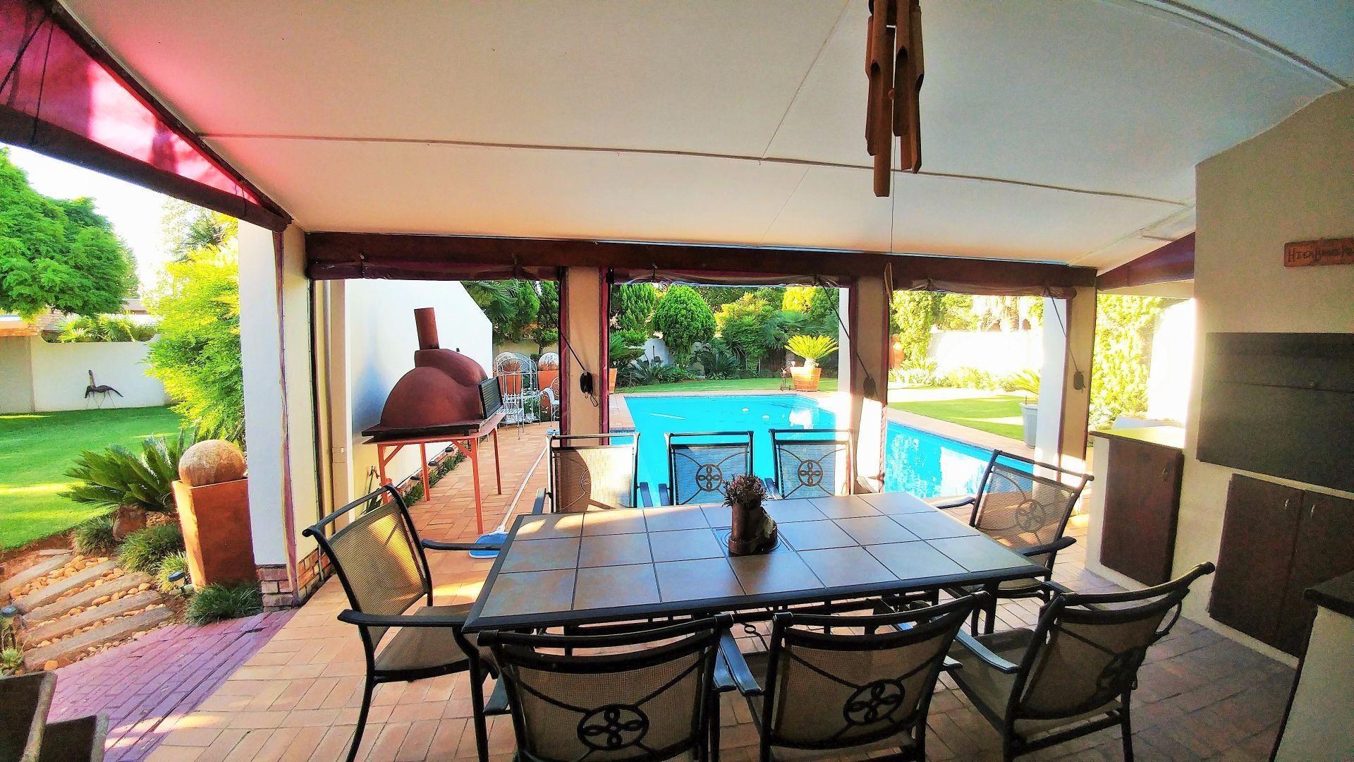 Van Der Hoff Park property for sale. Ref No: 13461617. Picture no 22