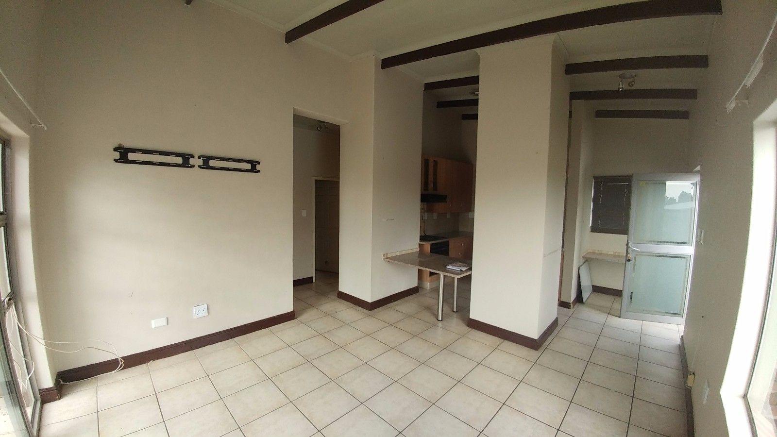 Dassie Rand property for sale. Ref No: 13449639. Picture no 6