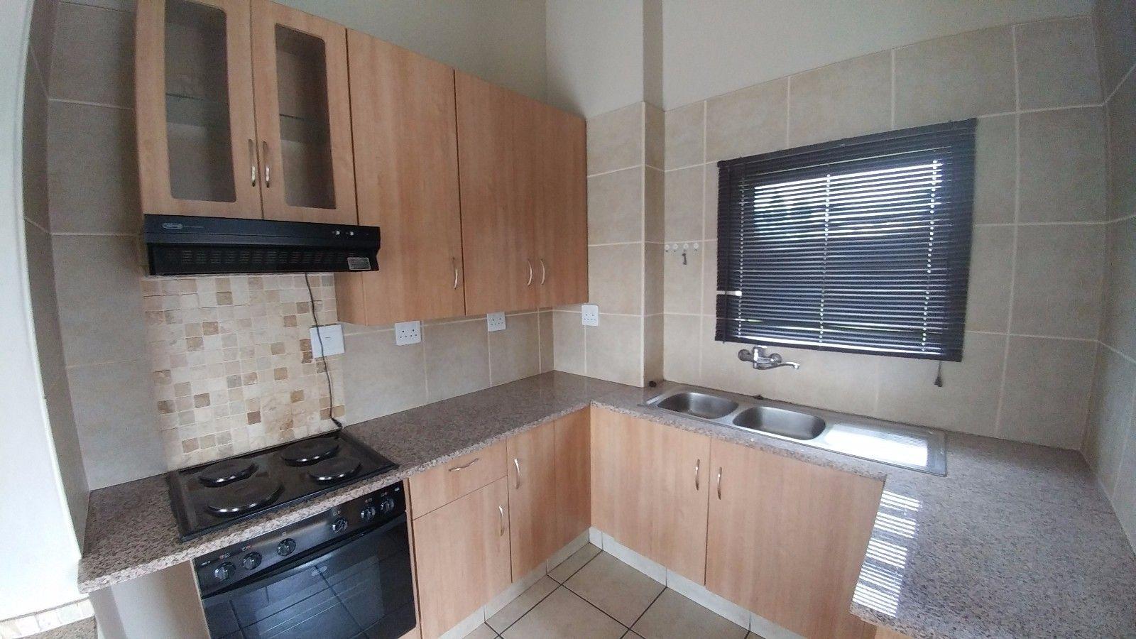 Dassie Rand property for sale. Ref No: 13449639. Picture no 9