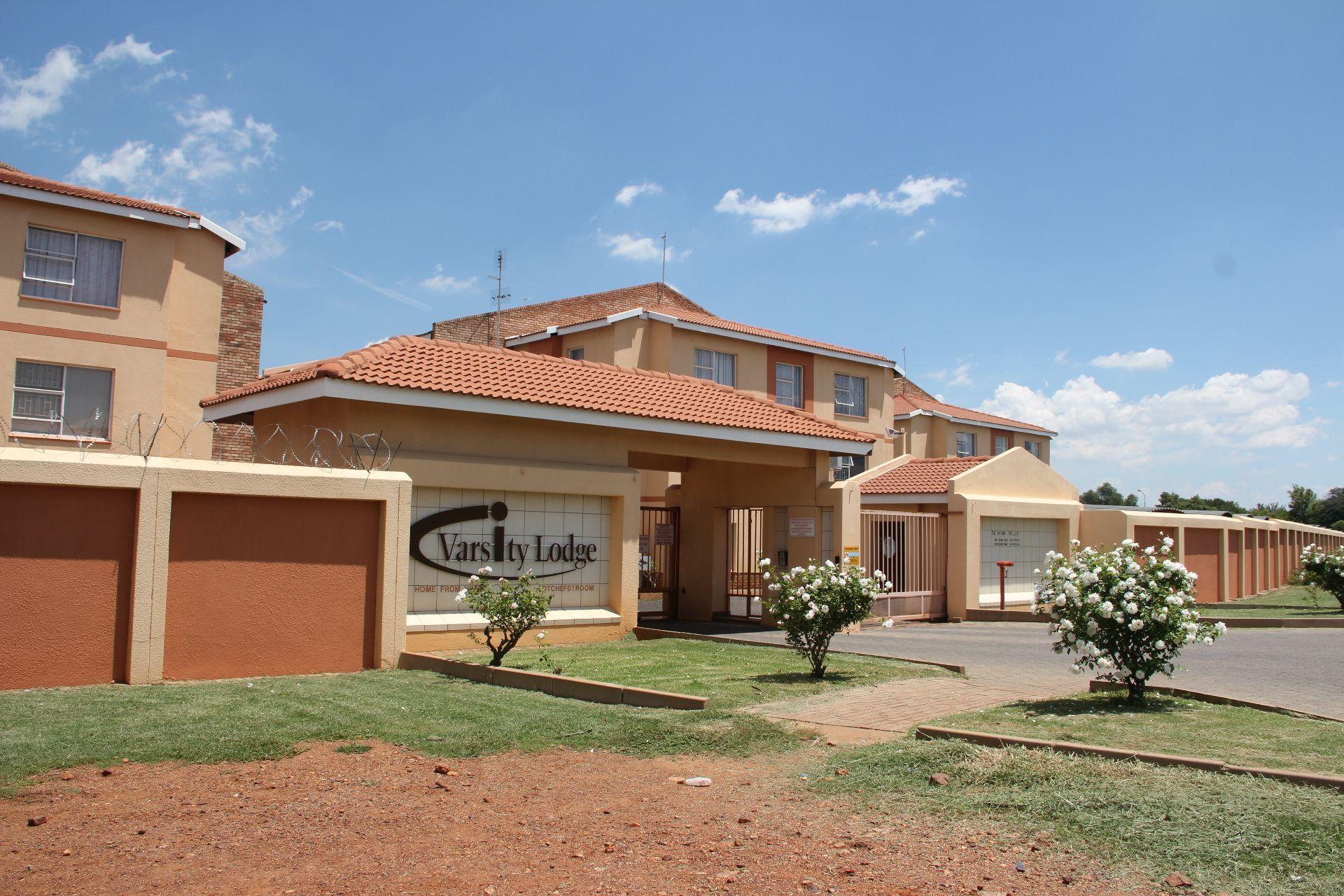Potchefstroom, Kannoniers Park Property  | Houses To Rent Kannoniers Park, KANNONIERS PARK, Apartment 1 bedrooms property to rent Price:,  3,00*