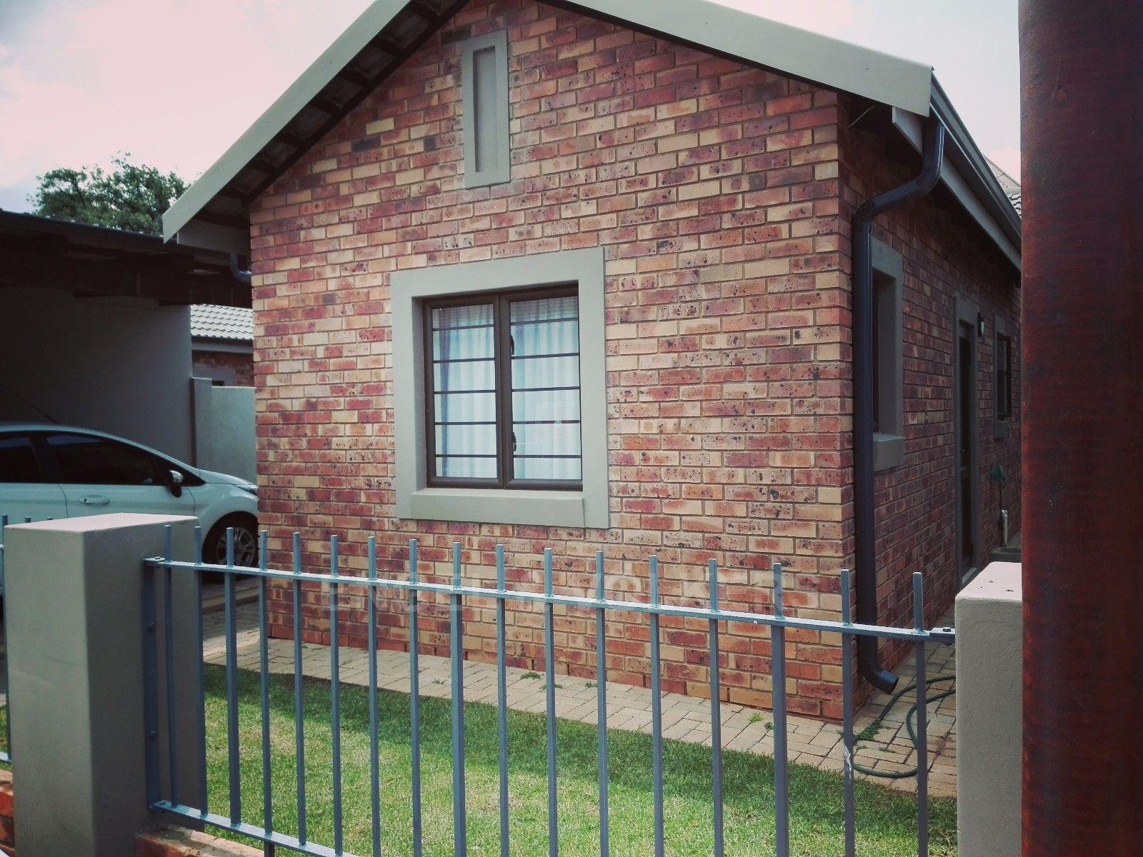 Potchefstroom Central property for sale. Ref No: 13451927. Picture no 1