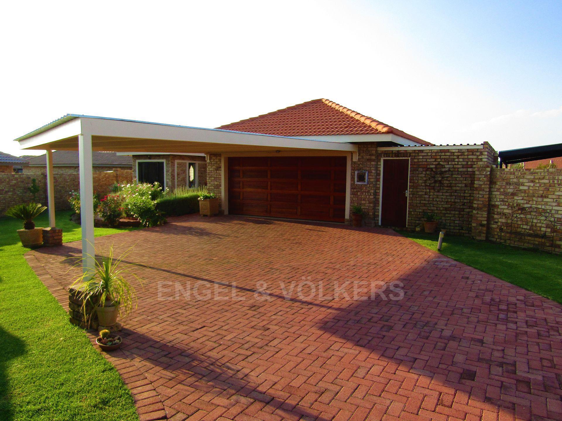 Lifestyle Estate property for sale. Ref No: 13458759. Picture no 2