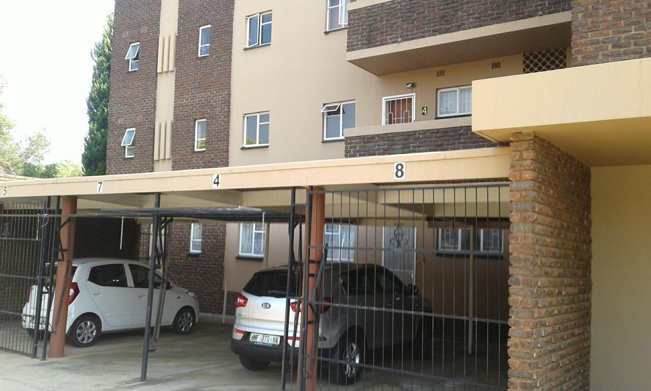 Property and Houses to rent in Potchefstroom, Apartment, 2 Bedrooms - ZAR ,  5,70*,M