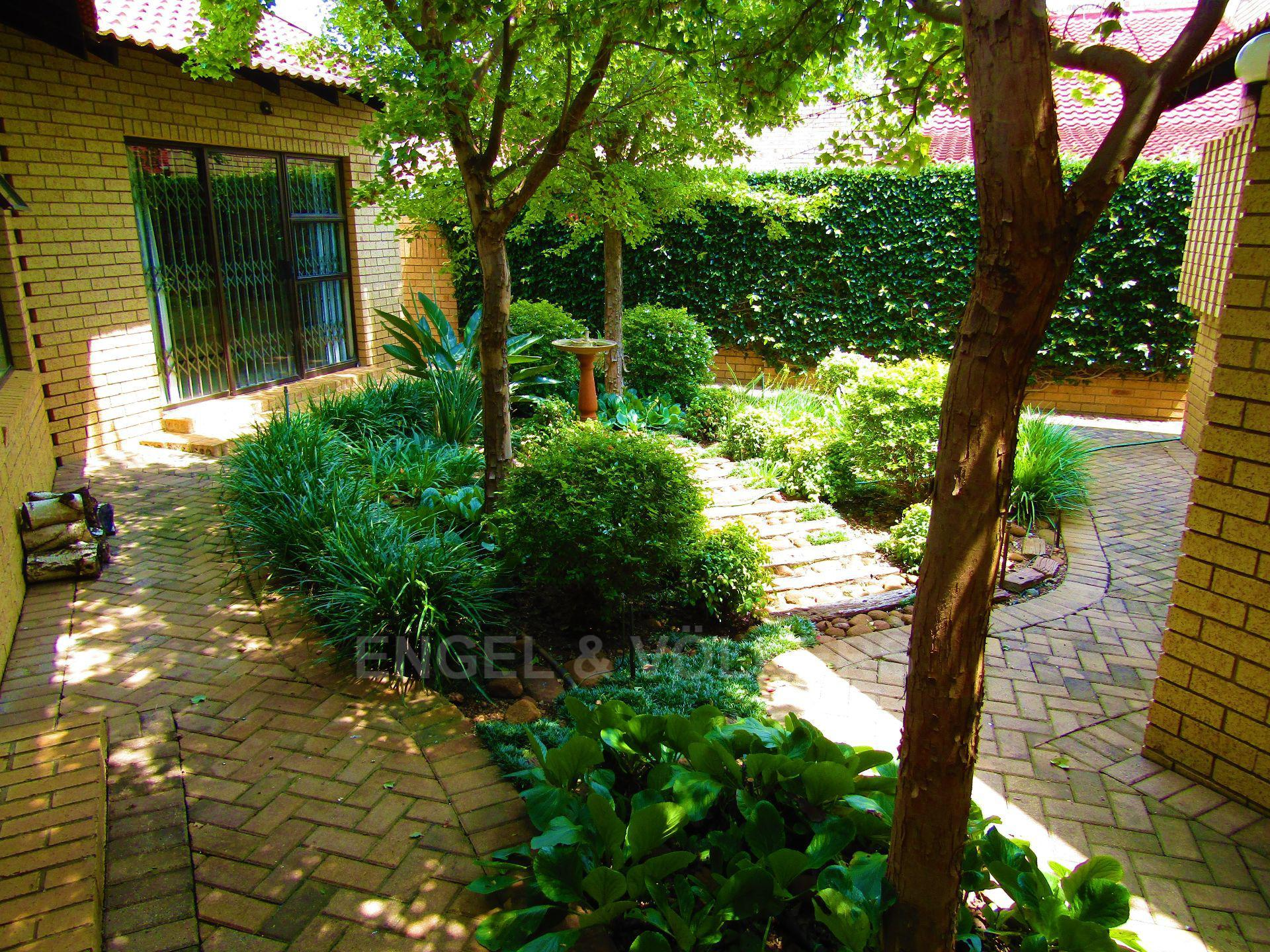 Van Der Hoff Park property for sale. Ref No: 13457232. Picture no 23
