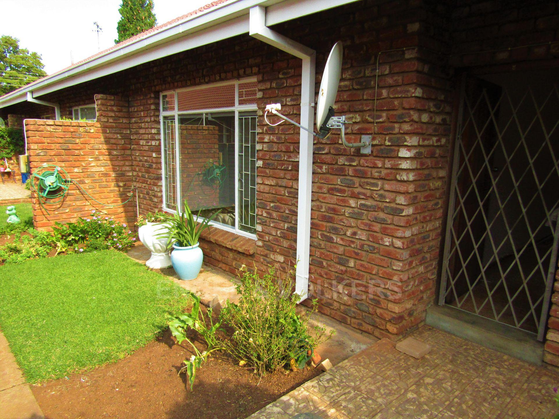 Potchefstroom Central property for sale. Ref No: 13459099. Picture no 2