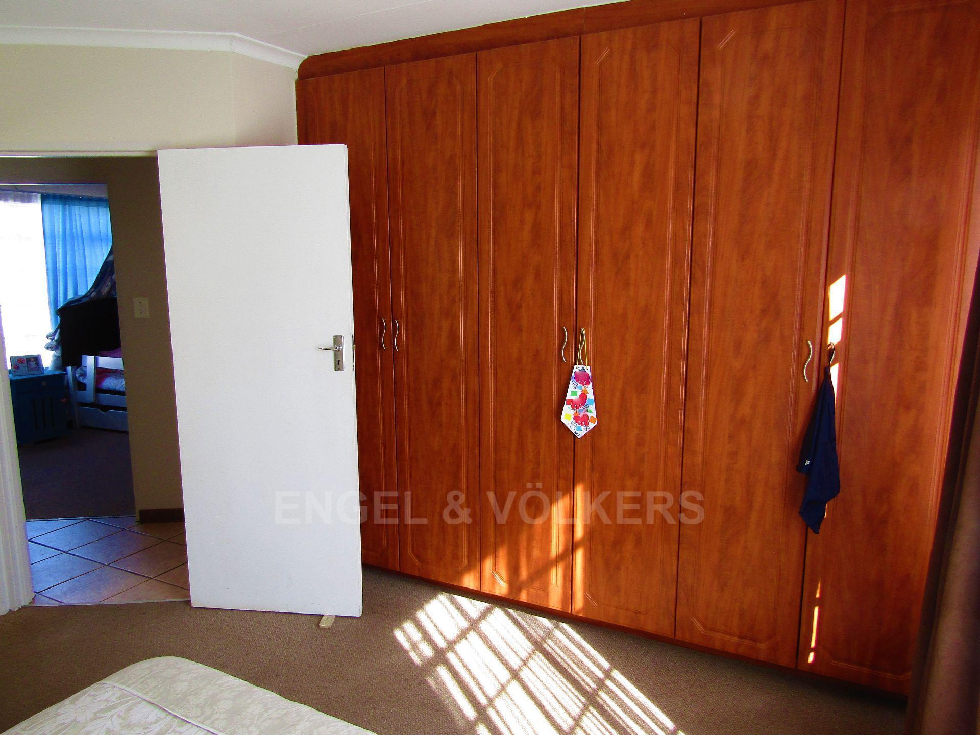 Baillie Park property for sale. Ref No: 13520599. Picture no 10